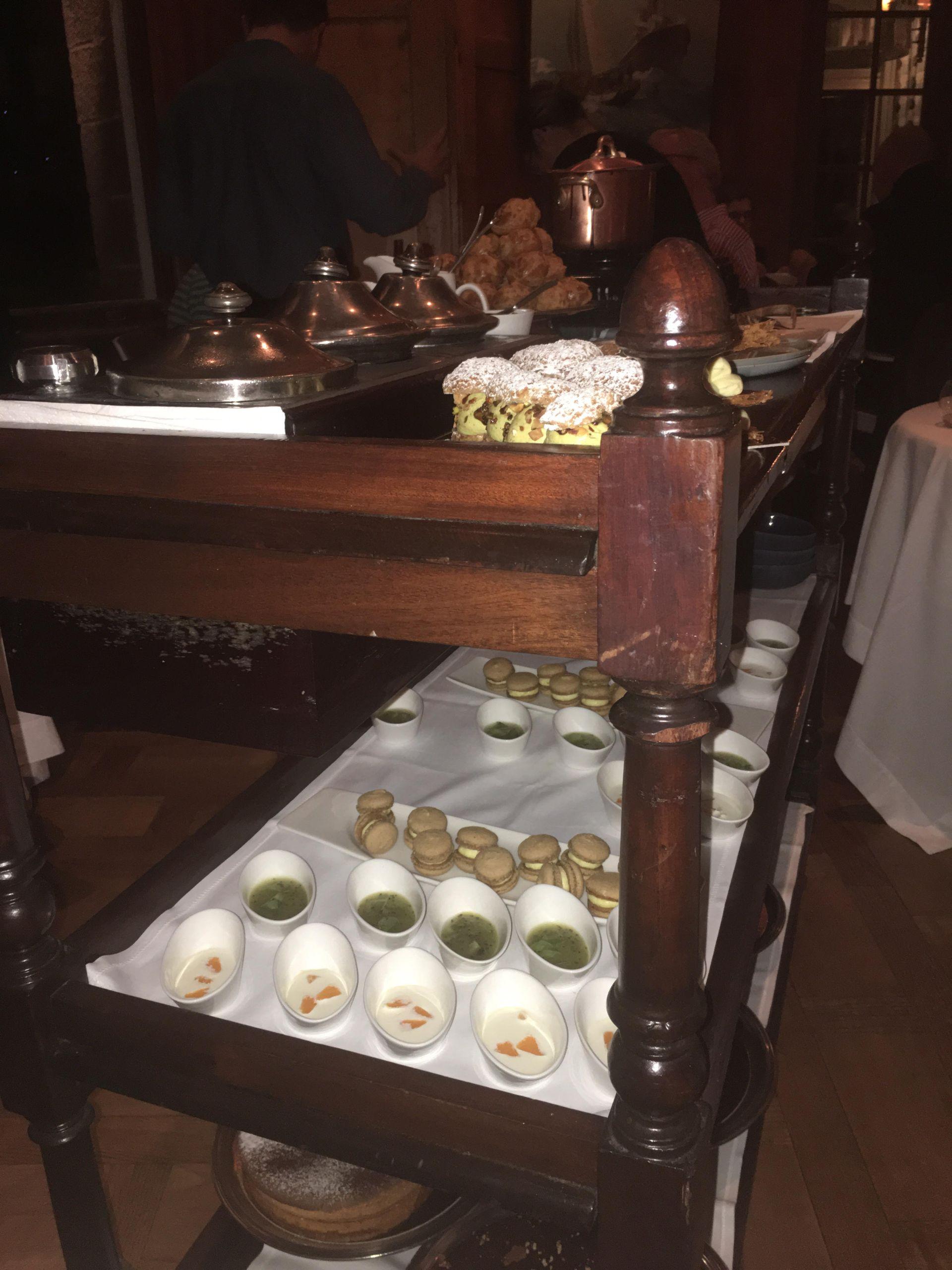 Dessert chariot